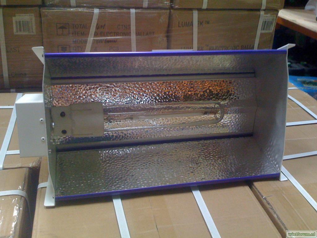 Gavita Lumatek reflector hydroponics