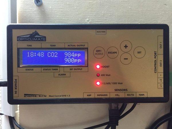 dimlux co2 sensor waarde licht uit