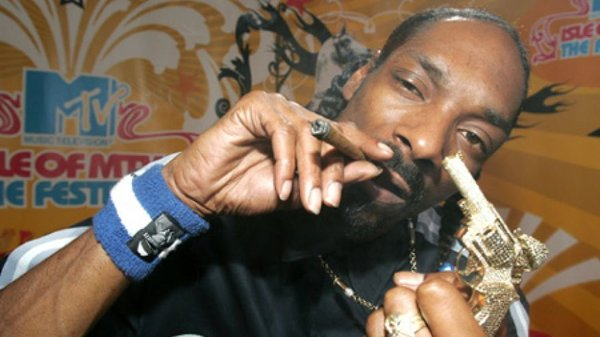 Did snoop dogg smoke weed In The white house