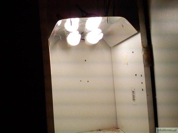 4x K2 onder 2x 100watt spaarlamp
