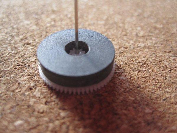 rubber revet op wit rad geplakt